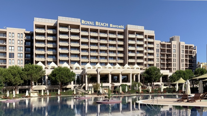 Емблематичният хотел Barceló Royal Beach в Слънчев бряг въведе строги