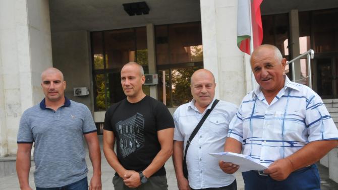 Четиримата български граничари Михаил Цонков, Николай Петков, Живко Петров и