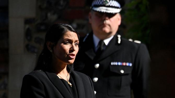 Британският министър на вътрешните работи Прити Пател оповести подробности за