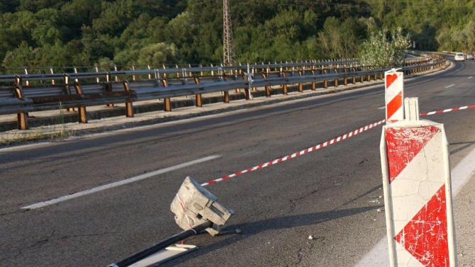 """Подменят мантинелата на мястото на тежката катастрофа на АМ """"Тракия"""""""