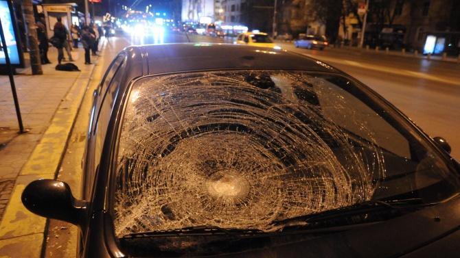 27-годишен мъж от Шумен повредил с дървена бухалка лек автомобил,