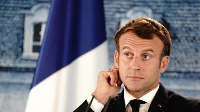 Франция би трябвало да направи задължително носенето на маски на