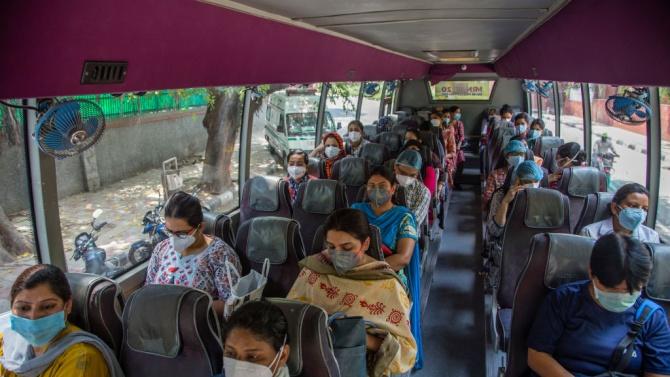 Броят на заразените с коронавирус в Индия надхвърли 900 хиляди