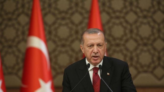 Турция прескочи пика на епидемията от новия коронавирус, каза днес