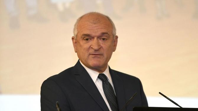 Димитър Главчев: Гражданските протести би следвало да приключват до 22 часа