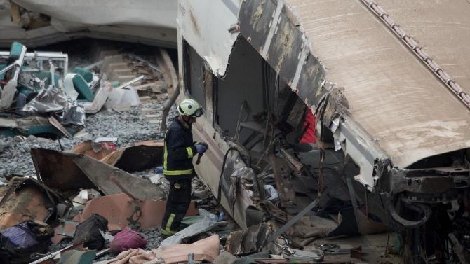 Един човек загина и десетки бяха ранени при сблъсъка на