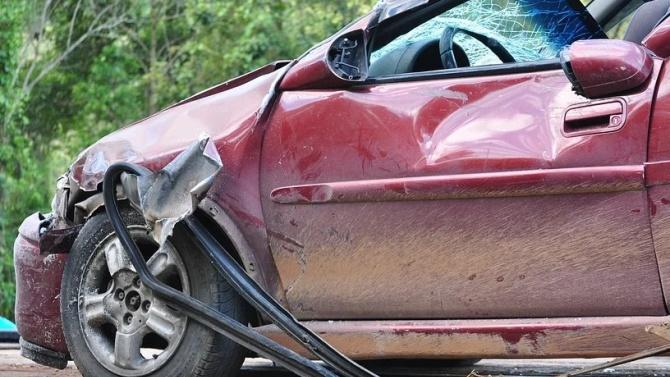 Четирима души пострадаха при катастрофа край Разград, съобщиха от областната