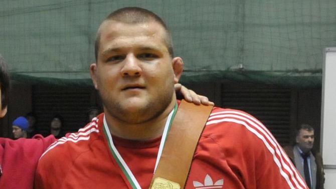 Фейсбук потребител след смъртта на Николай Щерев: Още ли смятате, че COVID-19 е измислица?
