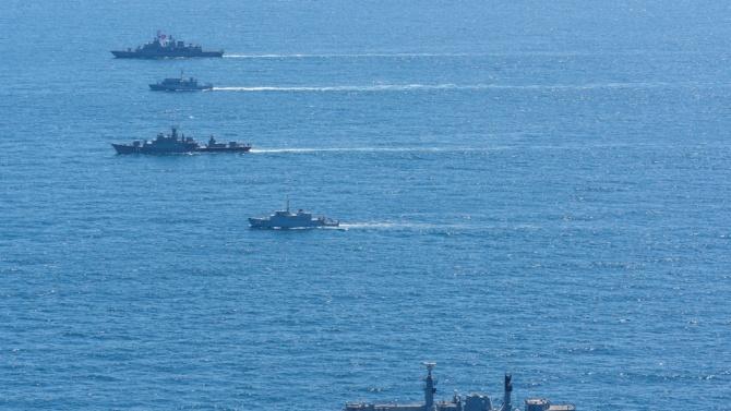 """Корабите, участващи в националното военноморско учение """"Бриз 2020"""", изпълняват планираните задачи на море"""