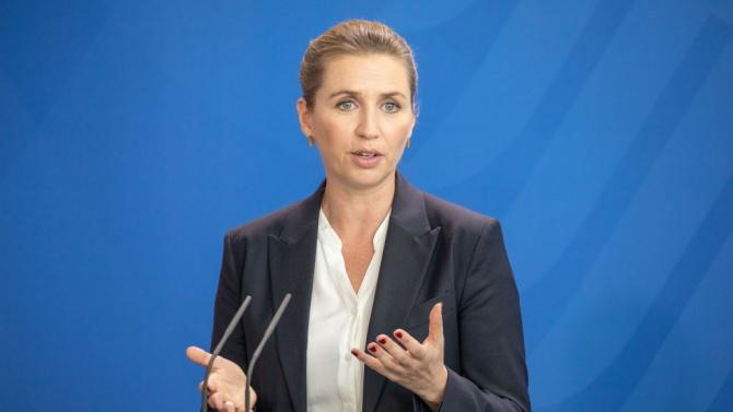 Датската премиерка Мете Фредериксен успя да се омъжи, след като