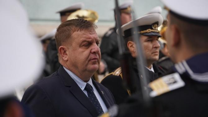 Каракачанов посреща германския министър на отбраната