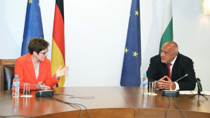 В разгара на кризата Борисов се срещна с външния министър на Германия