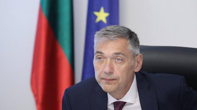Зам.-министър Петко Дойков: Важно е да не позволяваме на пандемията да задълбочи различията между държавите