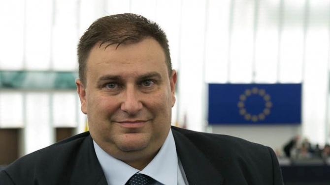 Eмил Радев: Без двойни стандарти за българи при безвизово пътуване за европейските граждани в САЩ
