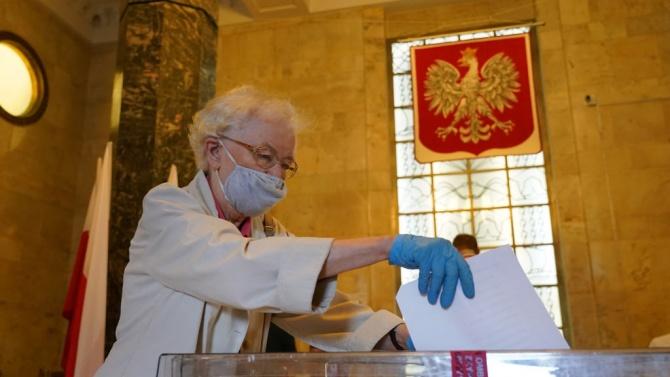 Полската опозиция оспори честността на президентските избори