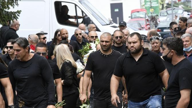 Стотици се простиха с бореца Николай Щерев