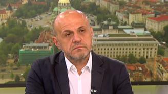 Томислав Дончев: Не обмисляме оставка, имаме работа за вършене