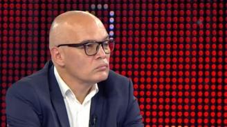 Тихомир Безлов коментира кой иска провокации и напомни как Божков е насъсквал феновете на
