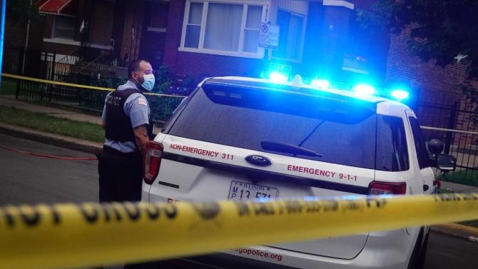 При стрелба на погребение в Чикаго са ранени 14 души