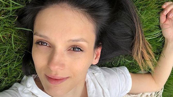 Луиза Григорова само по бременно коремче