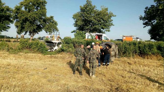 Военнослужещи от Съвместното командване на специалните операции помогнаха на пострадали в катастрофа