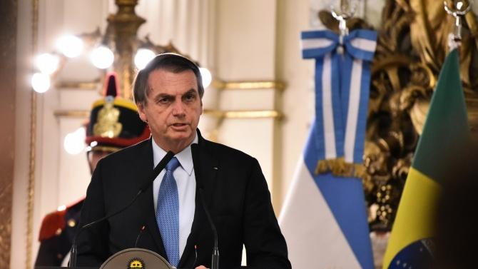 Бразилският президент Жаир Болсонаро е дал трети положителен тест за