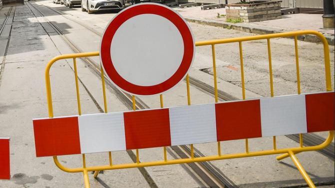 Въвежда се организация на движението за измиване с автоцистерна на транспортен подлез НДК