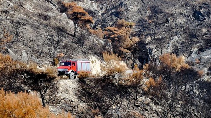 Продължават пожарите на гръцкия полуостров Пелопонес