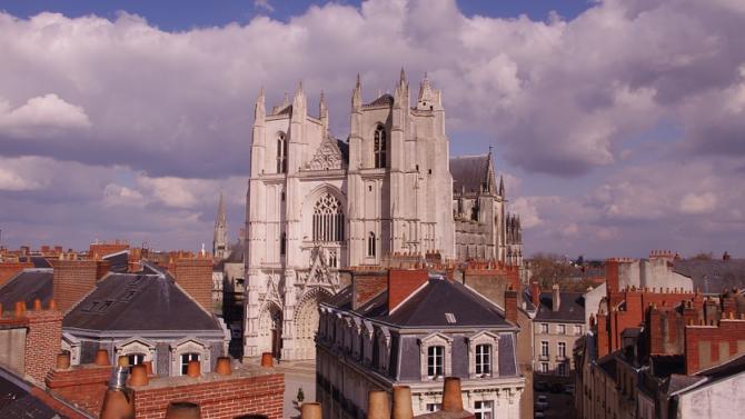 Мъжът, задържан след пожара в катедралата в Нант, беше задържан
