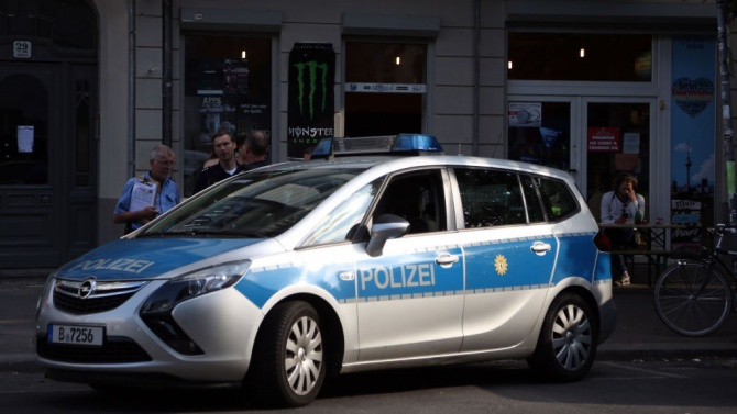 Кола връхлетя група пешеходци в Берлин, 7 са пострадали
