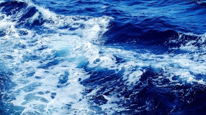 9-годишно момиченце се удави на плажа в Поморие