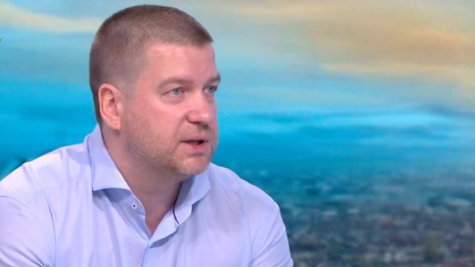 Живко Тодоров с коментар за рокадите в кабинета, протестите и институционалната война
