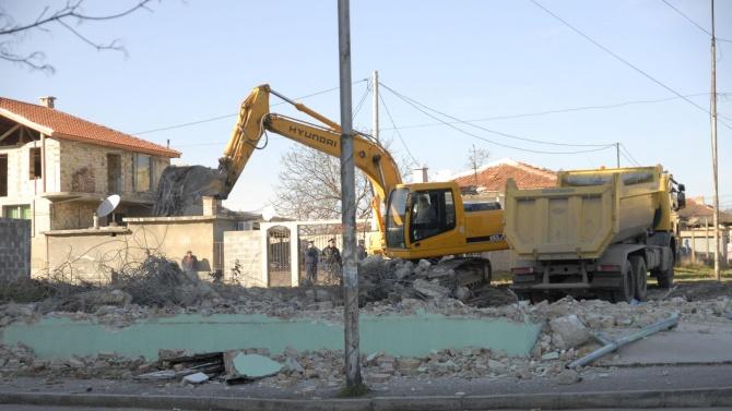 """Махат незаконни постройки в старозагорския квартал """"Лозенец"""""""
