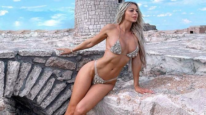 Янита Янчева се прибра в България