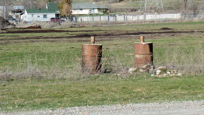 МОСВ и БАБХ започват незабавна проверка за неправилно съхранявани пестициди на територията на цялата страна