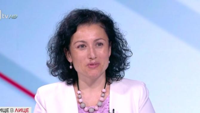 Десислава Танева: Очакват се много трудни месеци, протестите няма да ни помогнат