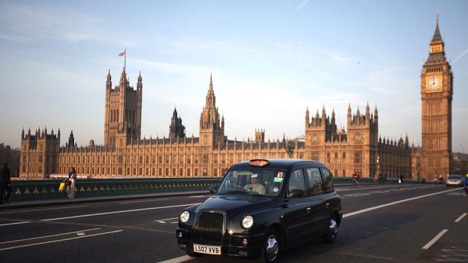 Британското правителство реши да отложи с най-малко две седмици следващия