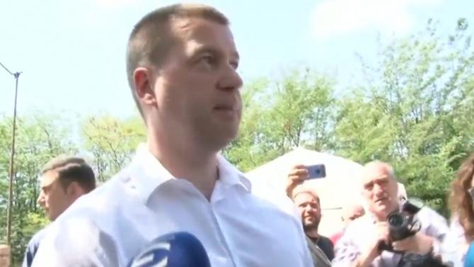 """Живко Тодоров на крака при протестиращите до АМ """"Тракия"""", те пък му поискаха екотоалетни"""
