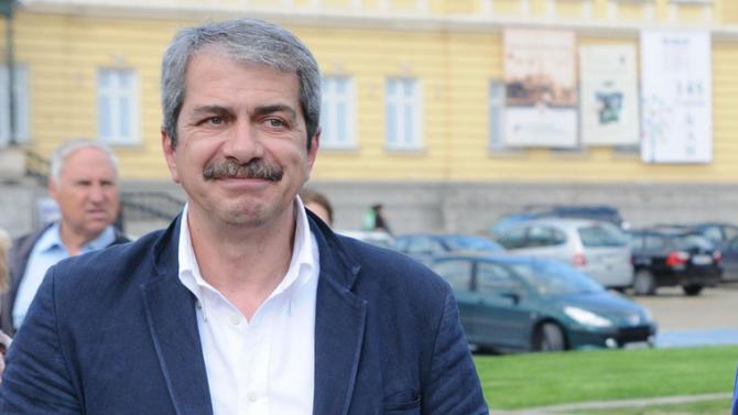 Евгений Михайлов: Не искам да живея в лятото на Радев и Божков