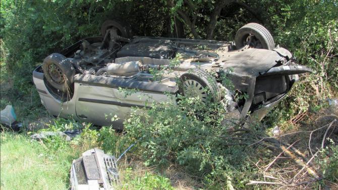 Бременна жена и дете оцеляха по чудо след пътен инцидент в Русенско