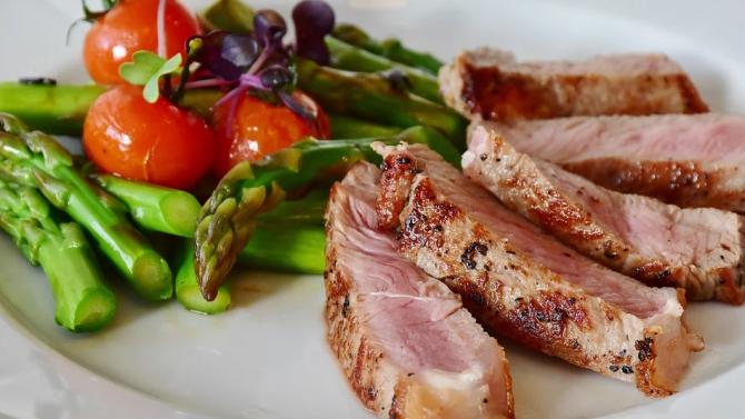 Времето на хранене влияе върху телесния ритъм и метаболизма