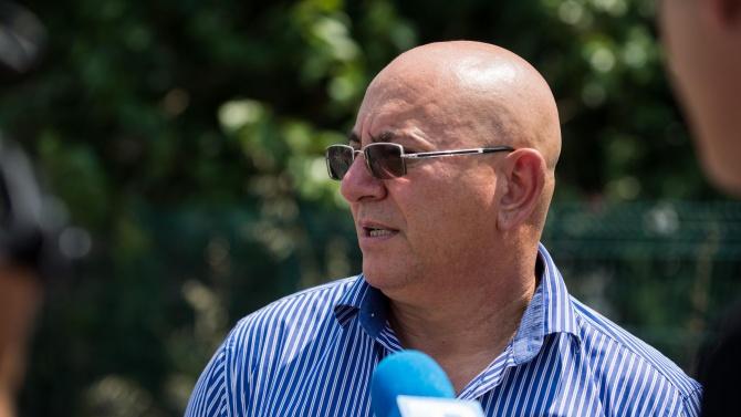 Екоминистърът и зам.-главният прокурор ще проверят сигнали за загробени пестициди в Червен бряг