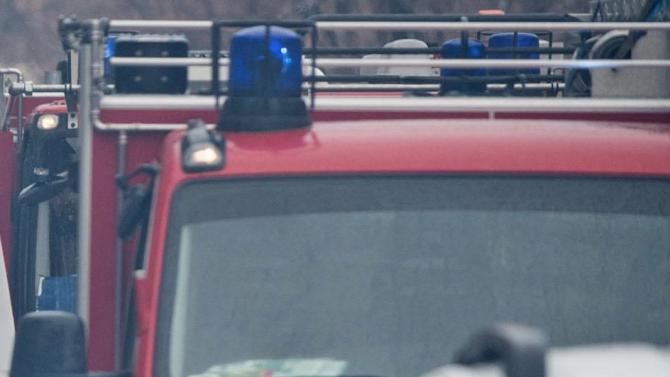 Сливенски пожарникари и доброволци спасиха седем къщи, пряко застрашени от