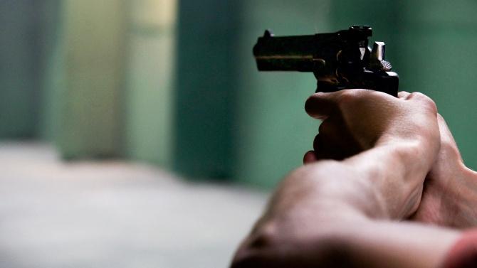 Мъж стреля по персонала на плевенско заведение