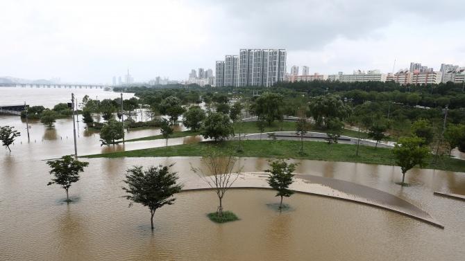 Най-дългият период на мусонни дъждове в Южна Корея за последните