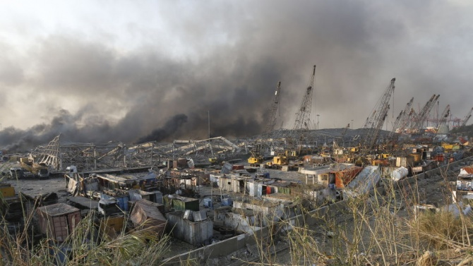 Най-малко сто души са загинали и над 4000 са ранени