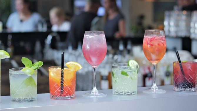 Рецептите за коктейли с ром са прочути из целия свят.