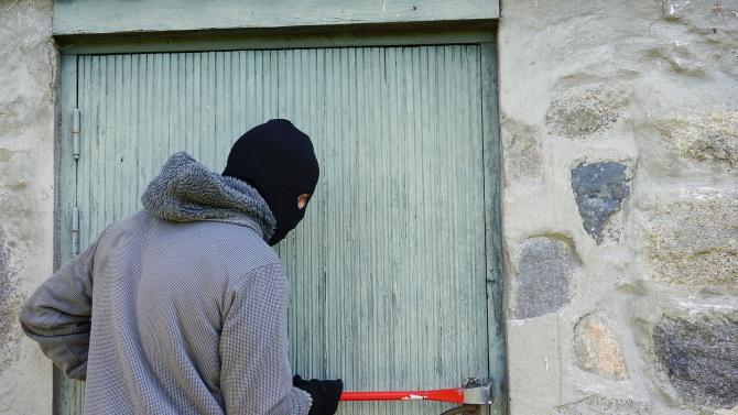 Жителите на Момчилград пропищяха от крадци. За по-малко от месецв