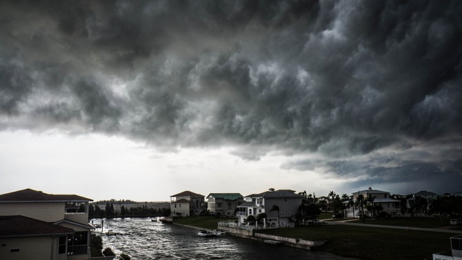 Тропическата буря Исаяс достигна Канада