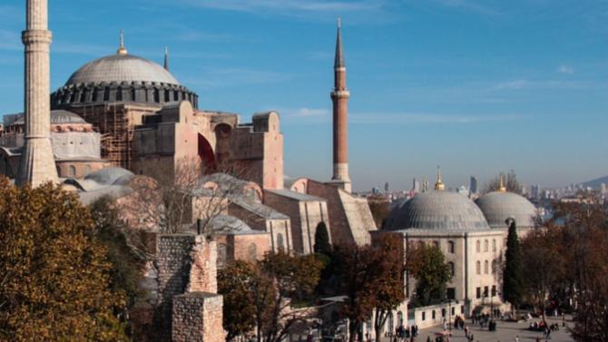 Турция обмисля да се оттегли от Истанбулската конвенция